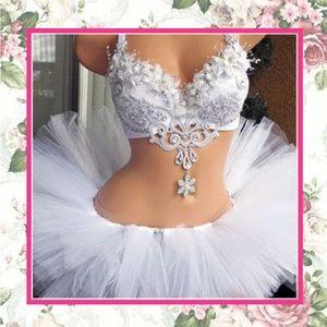 Dresses & Skirts - 🌺 New cute white ruffle mini under pedi coat tutu